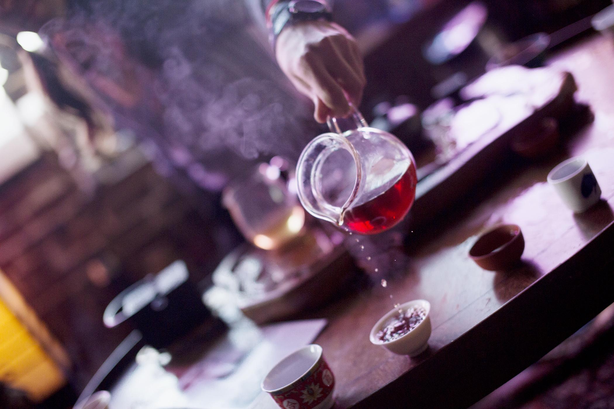 Alexiteric Pour Detail